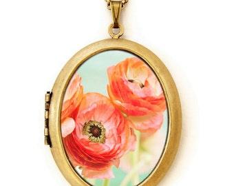 Trio Flowers Locket - Three Ranunculus - Pretty Feminine Ranunculus Flower Photo Locket Necklace