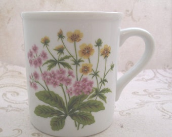Vintage Coffee Mug, Flower Coffee Mug, Ceramic Coffee mug, Floral Mug, unique coffee mugs, ceramic coffee cup, tea mug, buttercup
