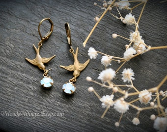 Tears of a Fairy - Wings Collection - by MoodsWingz: Small pair of earrings in antique brass two tiny swallows carrying a Swarovski crystal.
