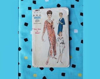 Vintage Vogue 5877 Sheath Lounge DressPattern 1960's Size 18