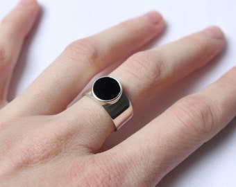 Onyx Geometric Ring, Sterling silver,  Made to order in your size, Black Round Stone ring
