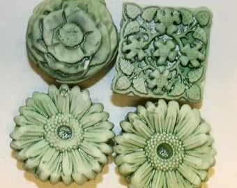 Sage Green, Flowers, Handmade Clay Magnets, Bright, Home Decor, Kitchen Decoration, Small Gift, Artskrap, Unique Gift, One of a kind