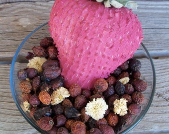 Rustic Country Strawberry Potpourri, Rosehips, Scented, Rustic,Room Scent,Home Decor, Pink, Berry, Refresher Oil Included