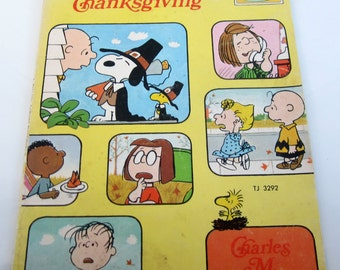 Peanuts Charlie Brown Thanksgiving Book 1974 Classic Collectible Snoopy Lucy Linus