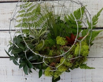 Four Seasons Handmade Wire Door Basket