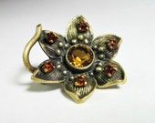 Small  Antique Art Nouveau Flower Brooch - Pin - Citrine - C1900 - Dainty