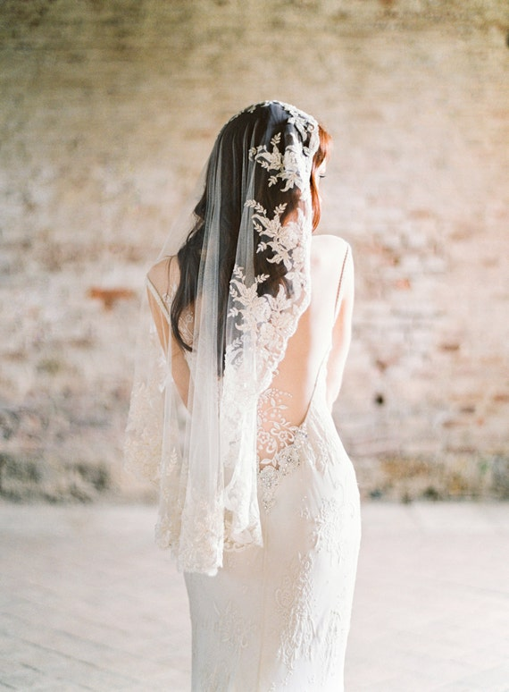 Wedding Veil, Lace Veil, Mantilla Veil, Bridal Veil, Short beaded Veil, Ivory Veil, Fingertip Veil, Beaded Veil, Champagne Veil