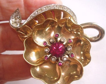 Signed Marcel  Boucher Articulating Vintage Jewelry  Flower Rhinestone  Brooch Gold Tone 1938.