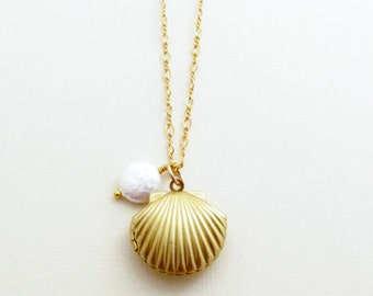 Sea Shell Necklace Gold Shell Necklace Sea Shell Pendant Ocean Jewelry Beach Wedding Nautical Wedding