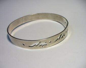 """Vintage wide leaf sterling silver bangle bracelet - leaf cut out design -  8"""" around"""