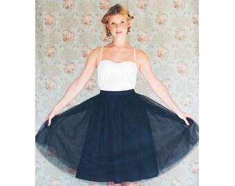 Black tulle skirt / Black adult tutu /  knee length tulle skirt / bridesmaid skirt / short tulle skirt/ Black prom skirt / High waist skirt