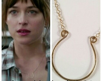 gold horseshoe necklace FREE SHIPPING 50 fifty shades of grey ana anastasia