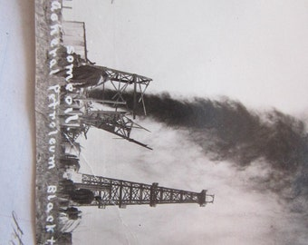 vintage rppc - real photo postcard - oil rig gusher - Long Beach California - Winstead Photo - General Petroleum Black &  Drake #1 - pc323