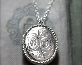 Vintage 1978 Sterling Silver Locket Necklace, Rose Engraved Oval Locket - English Garden