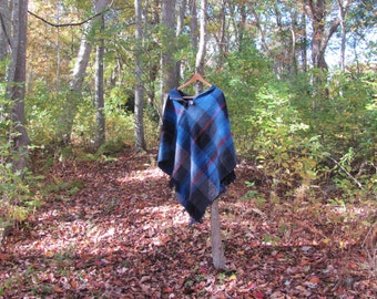 Blue Plaid Wool Poncho, Artisan Hand Woven Cover Up, Scottish Cloak Blanket Wrap Coat Rustic Woodland Cabin Cape, Mens Womens Outdoor Poncho
