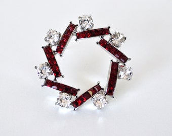 Lovely Vintage Red Rhinestone Brooch