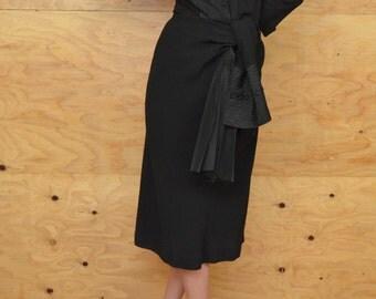 Vintage 40's Dress Black Rayon Crepe Dress Amazing Detail At Waist SZ M/L