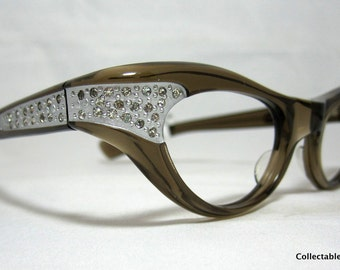 Vintage Eyelgasses. 60s Cat Eye Glasses. Brown Translucent with Rhinestones