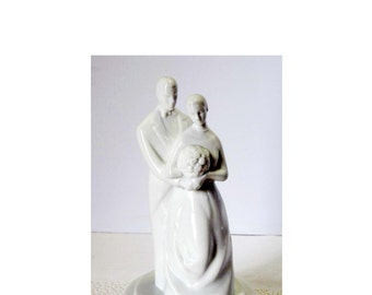 White Porcelain Bride and Groom Man and Woman Wedding Cake Topper or Figurine Home and Garden Collectibles Figurines Wedding Cake Toppers