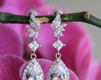 Wedding jewelry, bridal jewelry, wedding earrings, bridal earrings, Cubic zironia earrings, cz earrings with round and tear drop stones