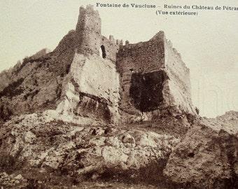 French Unused Postcard - Château de Pétrarque, Fontaine-de-Vaucluse, France
