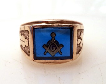 Vintage Solid 10K Men's Masonic Ring Blue Glass Center