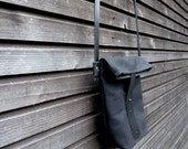 waxed canvas day bag/ small messenger bag/ field bag with vegetable  leather shoulderstrap