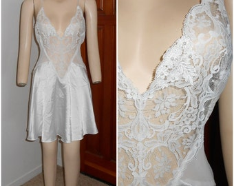 Vintage White Bridal Bead and Lace Nightie by Victoria's Secret Size Small