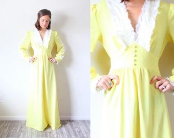 Vintage BOHO // 1970's yellow maxi summer dress // Mexican style dress // lace ruffle neckline dress // long sleeve modest dress