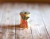 Needle Minder : Bling Carrots magnetized needle holder pin jewelry cross stitch tool hand embroidery sewing hardanger quilting