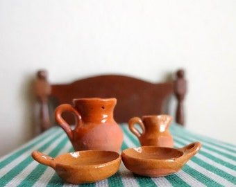 Miniature (4) piece vintage hand painted Mexican glazed dollhouse pottery - 1/2 inch