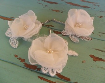 Bridal hair flowers, Wedding hair accessory, Lace wedding hair pins, Bridal hair accessory, Bridesmaid hair pins, SET OF THREE, Hair flowers