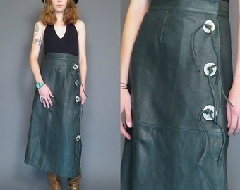 vintage 80s hunter green leather wrap skirt // faux wood buttons // southwestern skirt