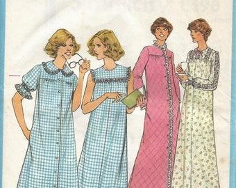 1977 Vintage Sewing Pattern for Women's Nighties (Simplicity 8198)