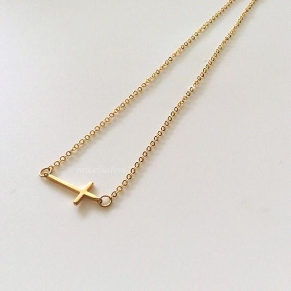 kreuz halskette gold kreuz kette sideway kreuz von jewelsalem. Black Bedroom Furniture Sets. Home Design Ideas