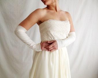 Fingerless bridal gloves, mittens, long gloves, Ivory bridal gloves, bridal glove, white wedding gloves, ivory wedding gloves
