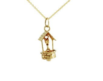 Vintage Gold Wishing Well Charm / Pendant