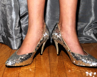 Spittin Sparkles Honey 1980s Does 1950s Vintage Dead Stock Two in Ann Marino Silver Sequin Pumps Three Inch Heels Sz 7 1/5 B Runs Small