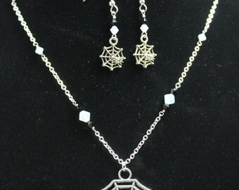 Spiderweb Earrings and Necklace set
