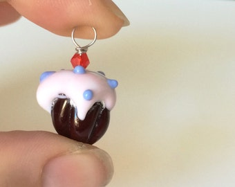 Pink hand blown glass cupcake pendant necklace