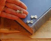 12 pcs Small Antique Silver Bow Charms 19mm (BC2263)
