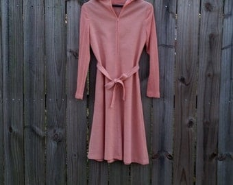 S M Small Medium Vintage Mod Modette Groovy 60s Peach Collar Cuffs Knit Long Sleeve Front Zipper Hipster Indie Hipster Mad Men Dress