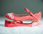 SALE. Neon Coral Ballet Flats, Wedding Flats, Bridal flats, Bridesmaid Gift, Wedding Shoes, Bridal Shoes, Flats with Ivory Lace. US Size 7