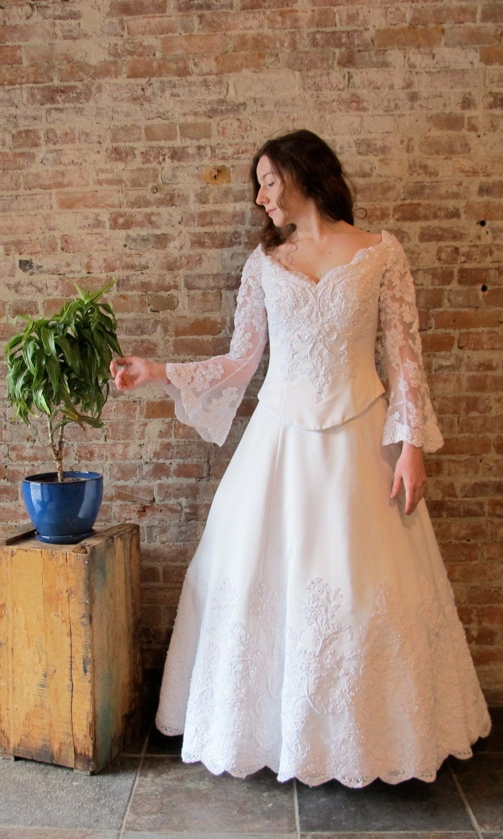 Wedding dress bell sleeves beads lace petite size for Bell sleeve wedding dress