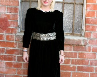 Beautiful Vintage 60's Boho Gypsy Goth STEAMPUNK Black Velvet HOLIDAY Party Gown Dress Size Medium to Large