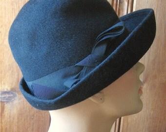 "100% Wool Felt Hat - Ladies' Black Vintage Hat with Bow - Wide Brim Winter Hat - Stylish Retro Ritz Paris Boutique Hat - 21"" Band Size Small"
