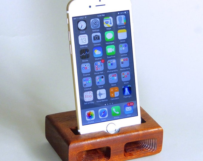 Docking Station for iPhone 6 & 7 - The RETRO model in MAHOGANY – Use With or Without a Cover - Boosts the Sound
