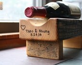 Reclaimed Wood Wine Rack- Single Wine Bottle - With personalization - Gifts Christmas Unique - Wine Lovers Gift Personalized