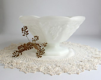 Vintage Milk Glass Pedestal Fruit Bowl white grapes ivy serving
