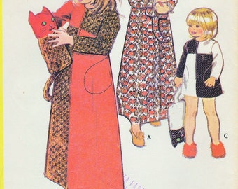 70s Toddler Little Girls Robe, Stuffed Toy Cat Pattern McCalls 3424 Vintage Sewing Pattern Childrens Bathrobe  Cuddly Toy UNCUT Size 4
